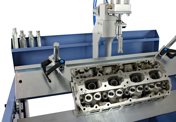 Comec Bst860 Work Station For Operation On Cylinder Heads